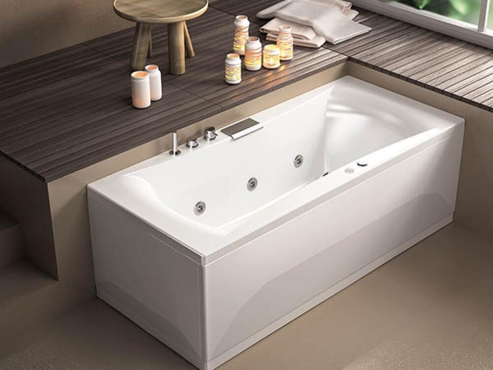 Baignoire balneo avec différents types de massage : eau + air